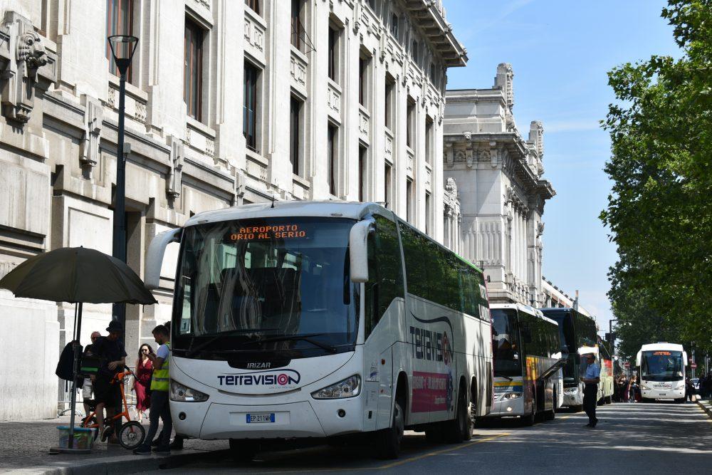 Autobusy v Miláne